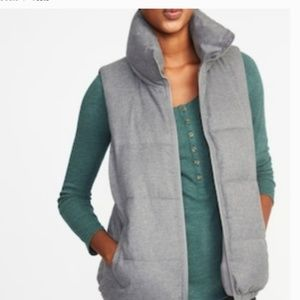 Old Navy women  gray  Vest, Fleece Lined puffer